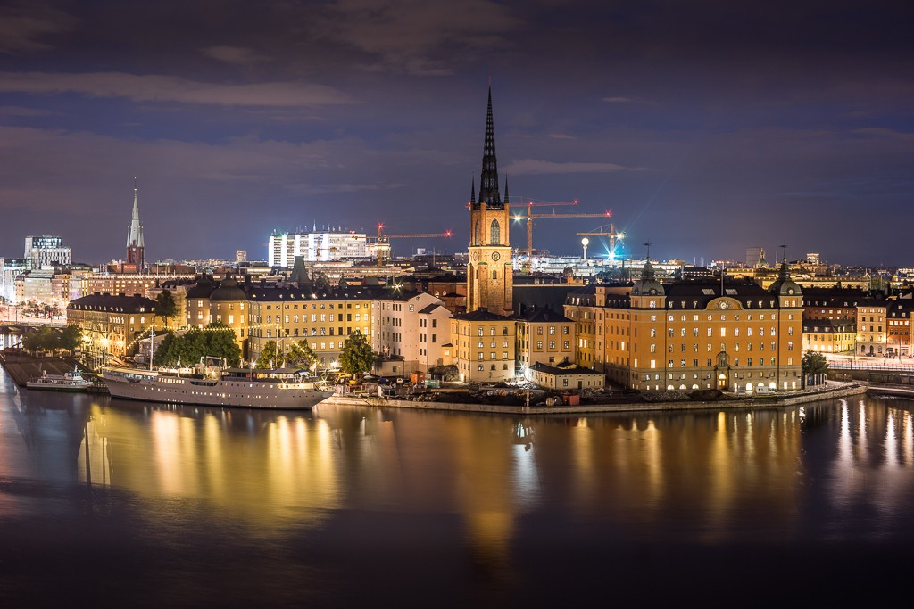 Riddarholmen at night. This small island just to the west of the Gamla Stan old town is home to the burial church of Swedish monarchs, Riddarholmskyrkan. -  20sec ISO-100