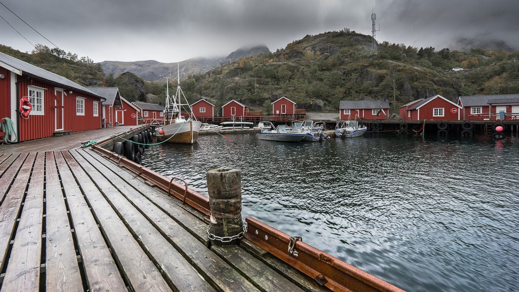Nusfjord's tiny harbour with quaint rorbu fishing huts