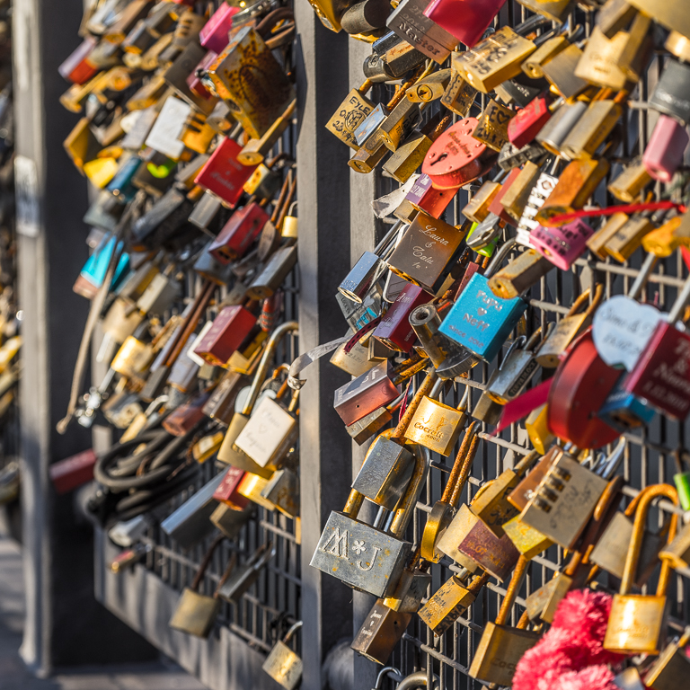 Where there's a bridge, there be padlocks