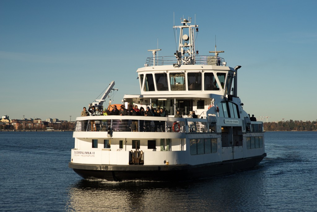 Suomenlinna ferry approaching the dock