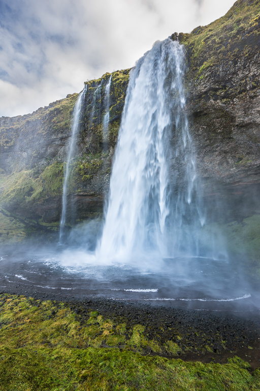 View of the side of Seljalandsfoss from the footpath