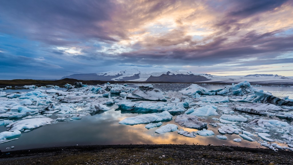 Ice floating in the water at Jökulsárlón, late afternoon.