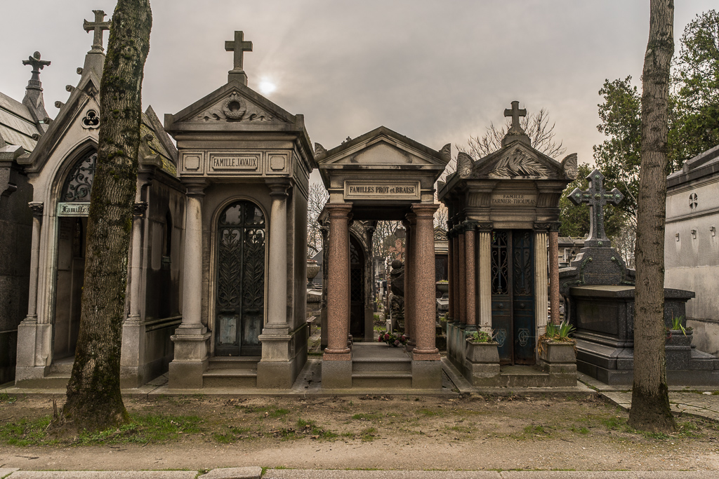 Line of tombs, Pere Lachaise cemetery, Paris